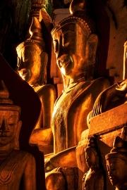 maze of buddhas